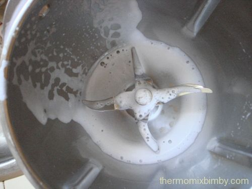 Astuce pour éviter les taches blanchâtres de la chaux dans notre thermomix